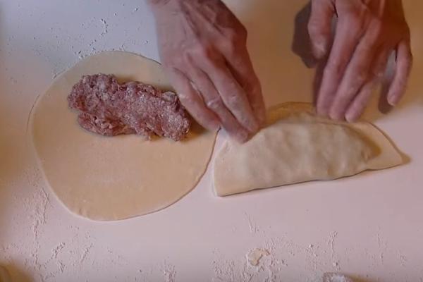 Как сделать чебуреки с мясом