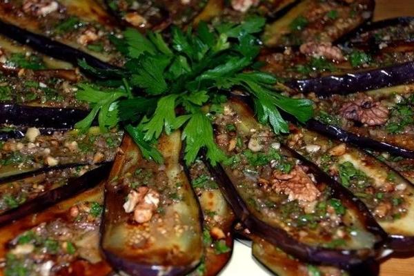 Баклажаны запечённые в духовке — быстро и вкусно