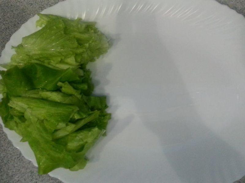 Укладка салата на блюдо