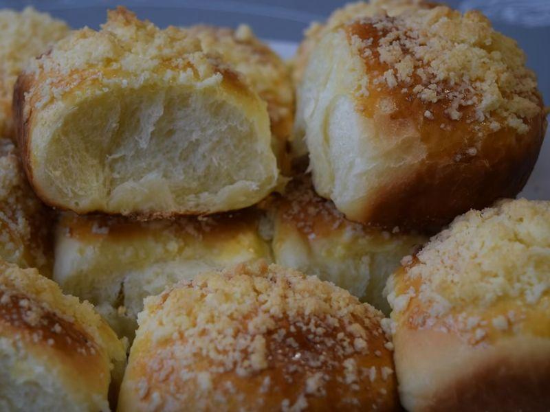 Булочки с вареньем и посыпкой в духовке - рецепт пошаговый с фото