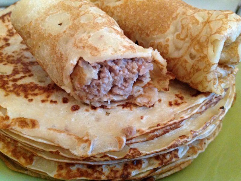 Блины фаршированные мясом. Как сделать блинчики с мясом по домашнему?