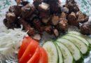 Шашлык из печени говядины на мангале